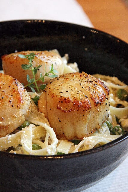 Easy, Peasy, and Lemon Squeezy: Lemon-Ricotta Pasta with Seared Scallops