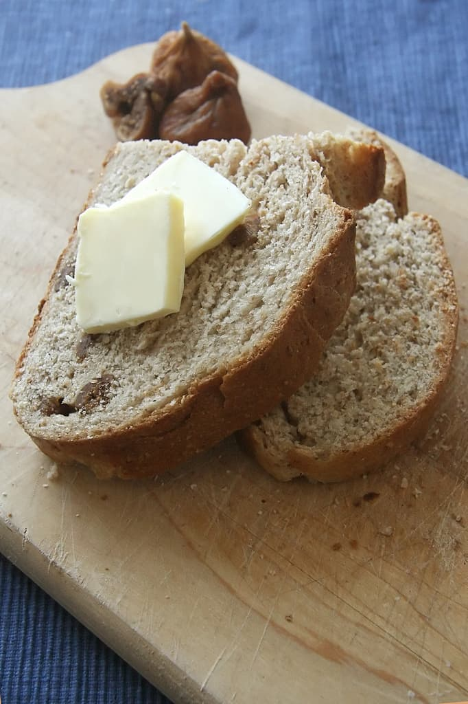 The Comeback Kid: Red Fife, Rye and Fig Bread
