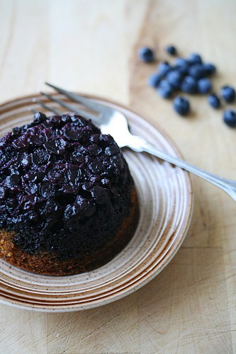 The Tell-Tale Cake – Blueberry-Cornmeal Upside Down Babycakes