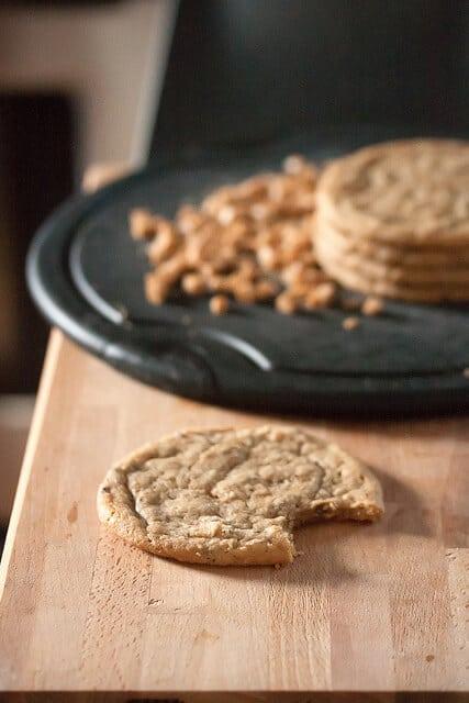 Buzz Buzz Buzz: Big Fat Chewy Cappuccino Cookies