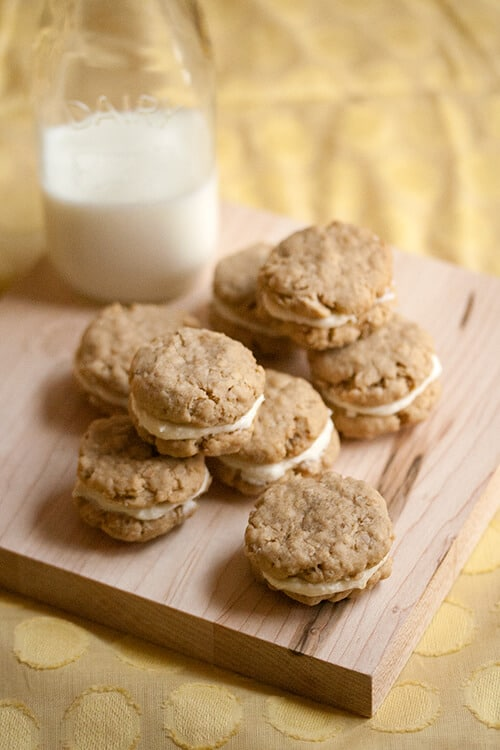 Lemon Oatmeal Creme Cookies