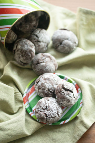 Chocolate Mint Crackle Cookies